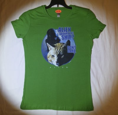 Alien™ Aboard the Ship? Jonesy Cat Don't Care T-Shirt - Juniors Large (LAST 1 LEFT!)